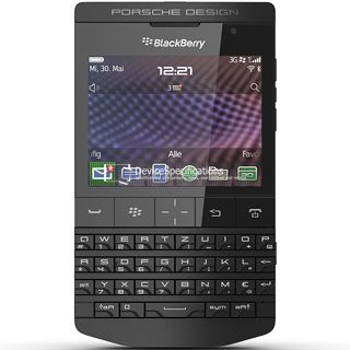 Фото BlackBerry Porsche Design